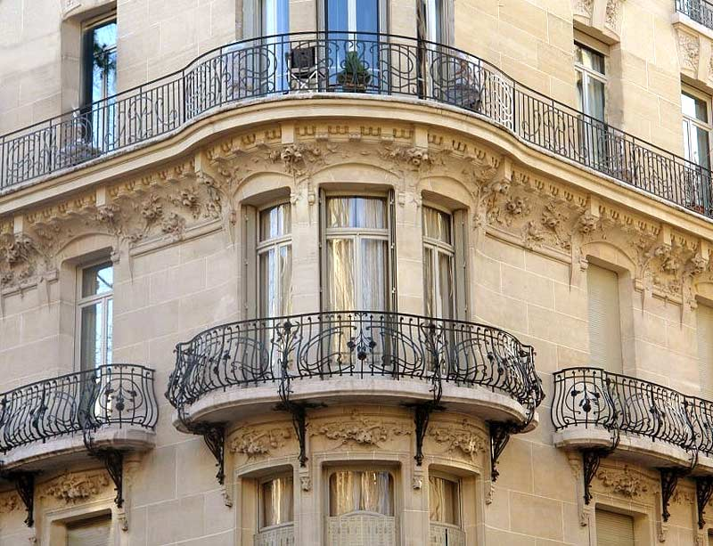 Garde corps balcons en fer forge rampe escalier en for English balcony