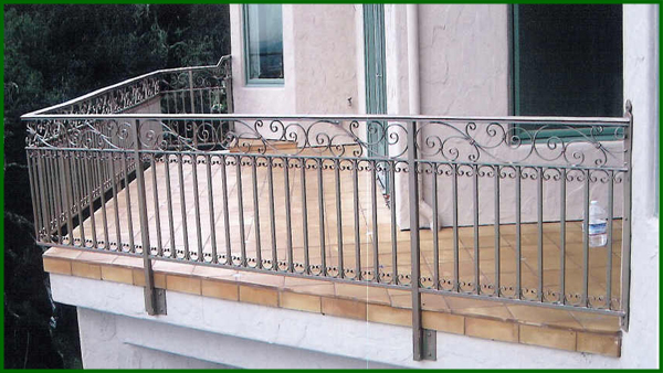 garde corps balcons en fer forge rampe escalier en fer forge ferronnerie d art. Black Bedroom Furniture Sets. Home Design Ideas
