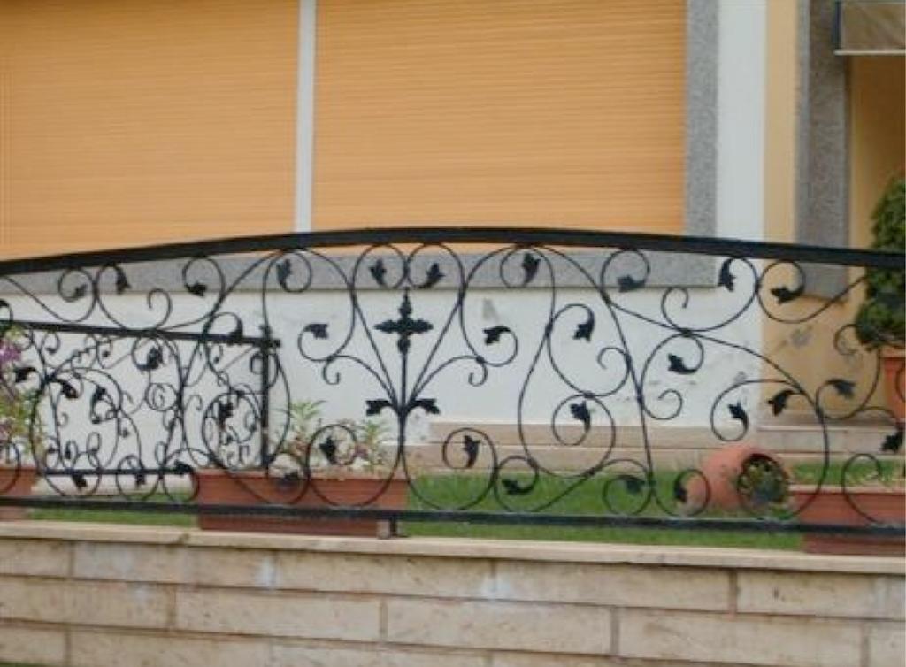 grille cl ture en fer forg ext rieur jardin villa. Black Bedroom Furniture Sets. Home Design Ideas