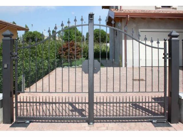 fabricant portail portillon grille cl ture en fer forg m tallique acier ferronnerie. Black Bedroom Furniture Sets. Home Design Ideas