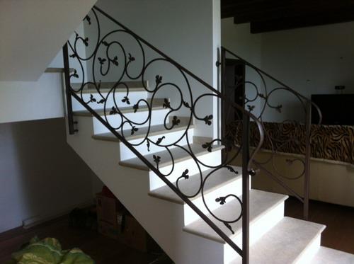 Rampe escalier en fer forge ferronnerie d art ferronnerie d art - Ringhiere per interni ...