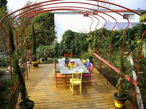 Pergola en fer forg tonnelle abris de jardin gloriette en for Gloriette de jardin en fer forge
