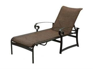 Chaises en acier type fer forg et mosa ques en c ramique for Chaise longue fer forge