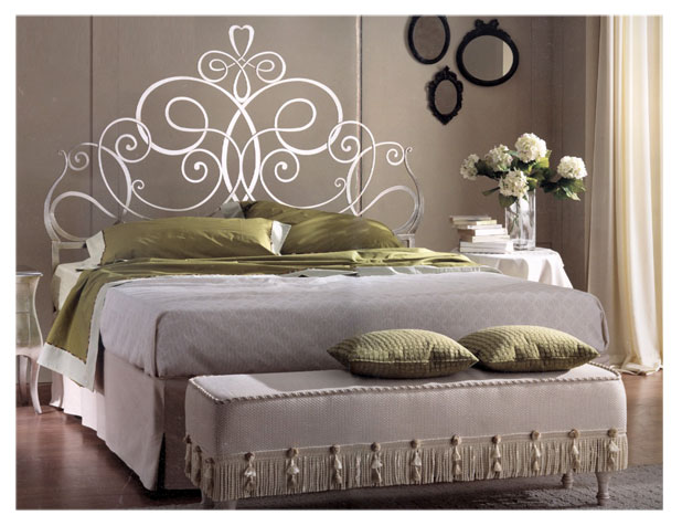 lit en fer forg en promotion pas cher lit a. Black Bedroom Furniture Sets. Home Design Ideas