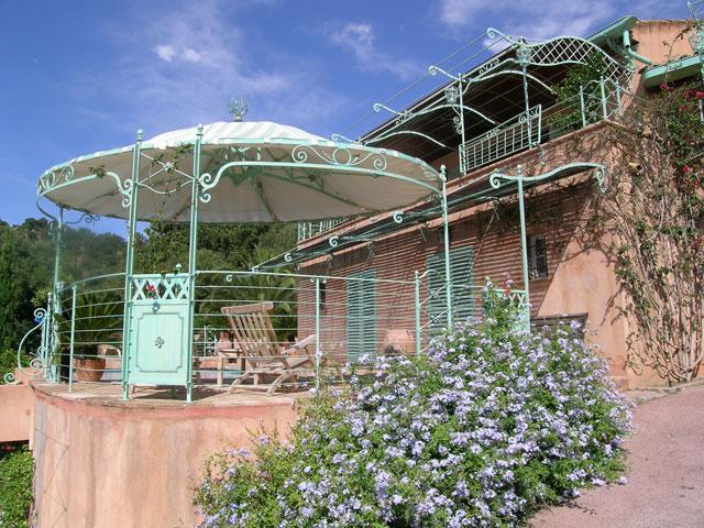 Gloriette de jardin en bois cool tonnelle de jardin en for Nice abri de jardin bois pas cher leroy merlin 14 tonnelle en fer forge d occasion