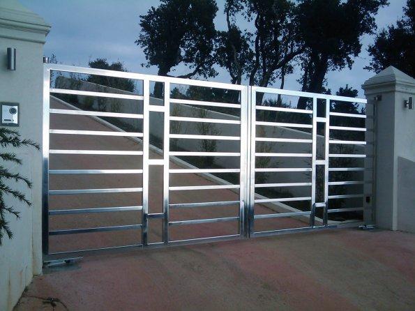Portail en inox portillon en inox porte de garage en inox portail coulissant inox - Porte de garage hauteur 220 ...