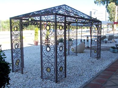 pergola en fer forg tonnelle abris de jardin gloriette en. Black Bedroom Furniture Sets. Home Design Ideas