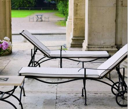 Stunning transat jardin en fer forge contemporary for Chaise longue fer forge