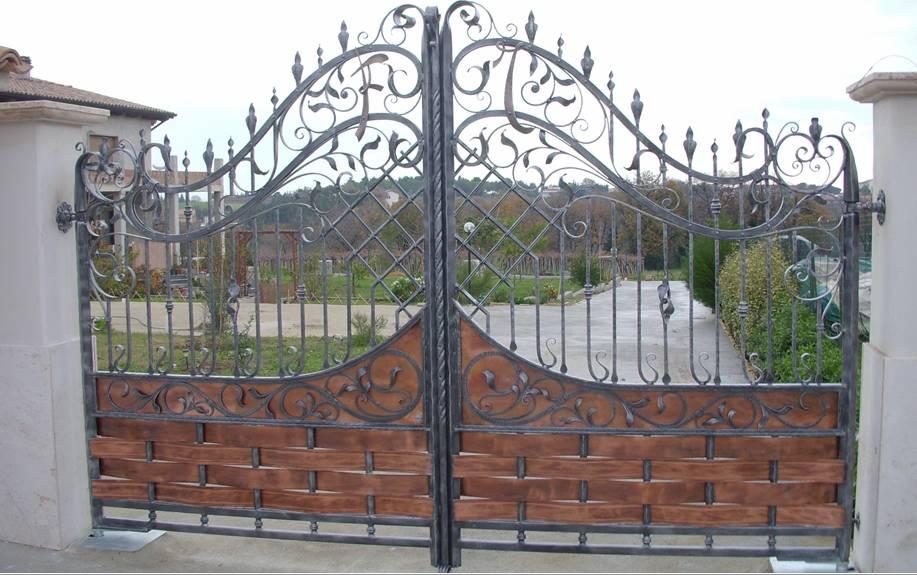 Fabricant portail portillon grille cl ture en fer forg m tallique acier ferronnerie - Portail fer forge ...